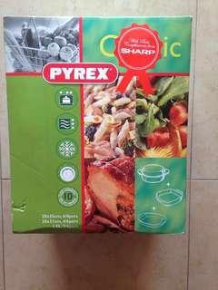 Pyrex Glass Casserole Set