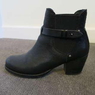 RAG & BONE 'Durham' Chelsea Ankle Boots | Size 37
