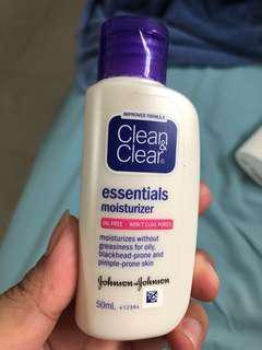 Clean&Clear Essentials Mosturizer