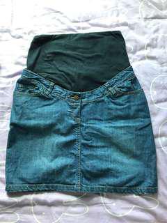 Maternity Jean short shirt