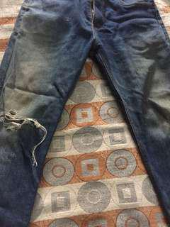 ripped jeans levi's size 30 good condition