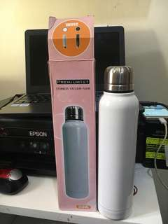 Premium stainless vacuum flask,350ml. Colour white, hot and cold. Freongkir jabodetabek