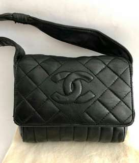 Reprice!! Fast sale chanel vintage need touchup..