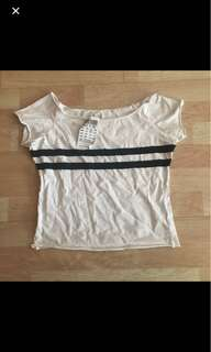 🌸 nwt brandy melville rin top
