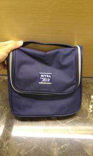 🚚 妮維雅旅行盥洗包 高23 寬25 厚8 cm