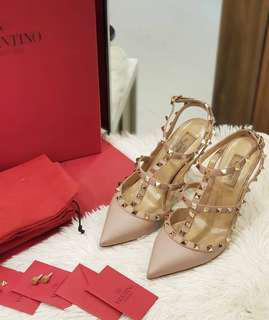 VALENTINO STUDDED HEELS S38 ❤BIG SALE P33k ONLY❤ Good as new condition With box card stud and dustbag Swipe for detailed pics Cash/card/layaway accepted  #luxonlinephvalentino
