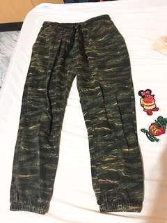 🚚 狩獵迷彩縮口褲 M 美國工廠