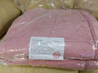 全新Momomi 粉紅色地墊 1米x2米