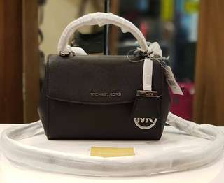 BRAND NEW MK AVA SAFFIANO SMALL SATCHEL BAG ❤️MARK DOWN SALE P12k ONLY❤️ With tag and crecard Swipe for detailed pics
