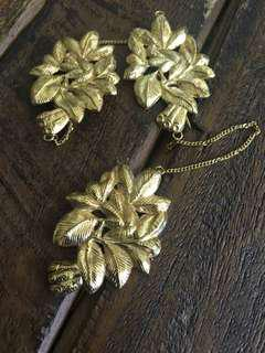 Peranakan gilt repousse kerosang brooch