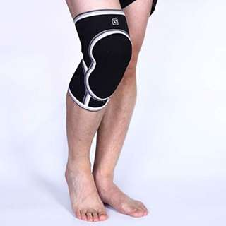 LiveUp Sports LS5751 Sporting Range Knee Support