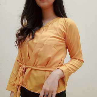 Zara Atasan kuning peplum kimono
