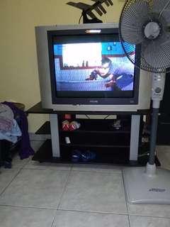 Tv Philips dan meja sepaket