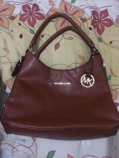 Preloved MK hobo (replica)