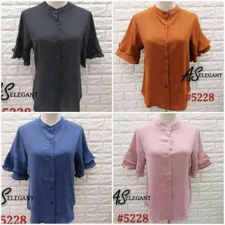 🍀Restock  button front blouse