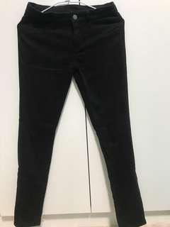 🚚 Unique黑色窄管褲