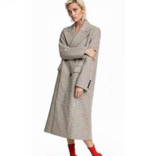 LOOKING FOR: H&M check coat