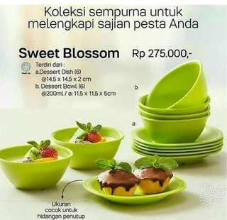 Sweet blossom tupperware