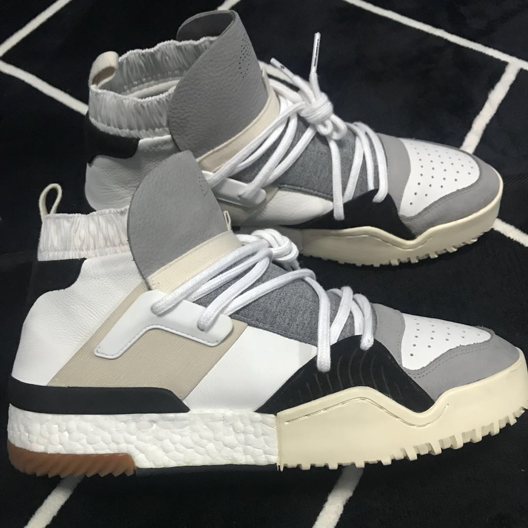 hot sale online 87e27 58327 Alexander Wang x AW BBall White, Mens Fashion, Footwear, Sneakers on  Carousell