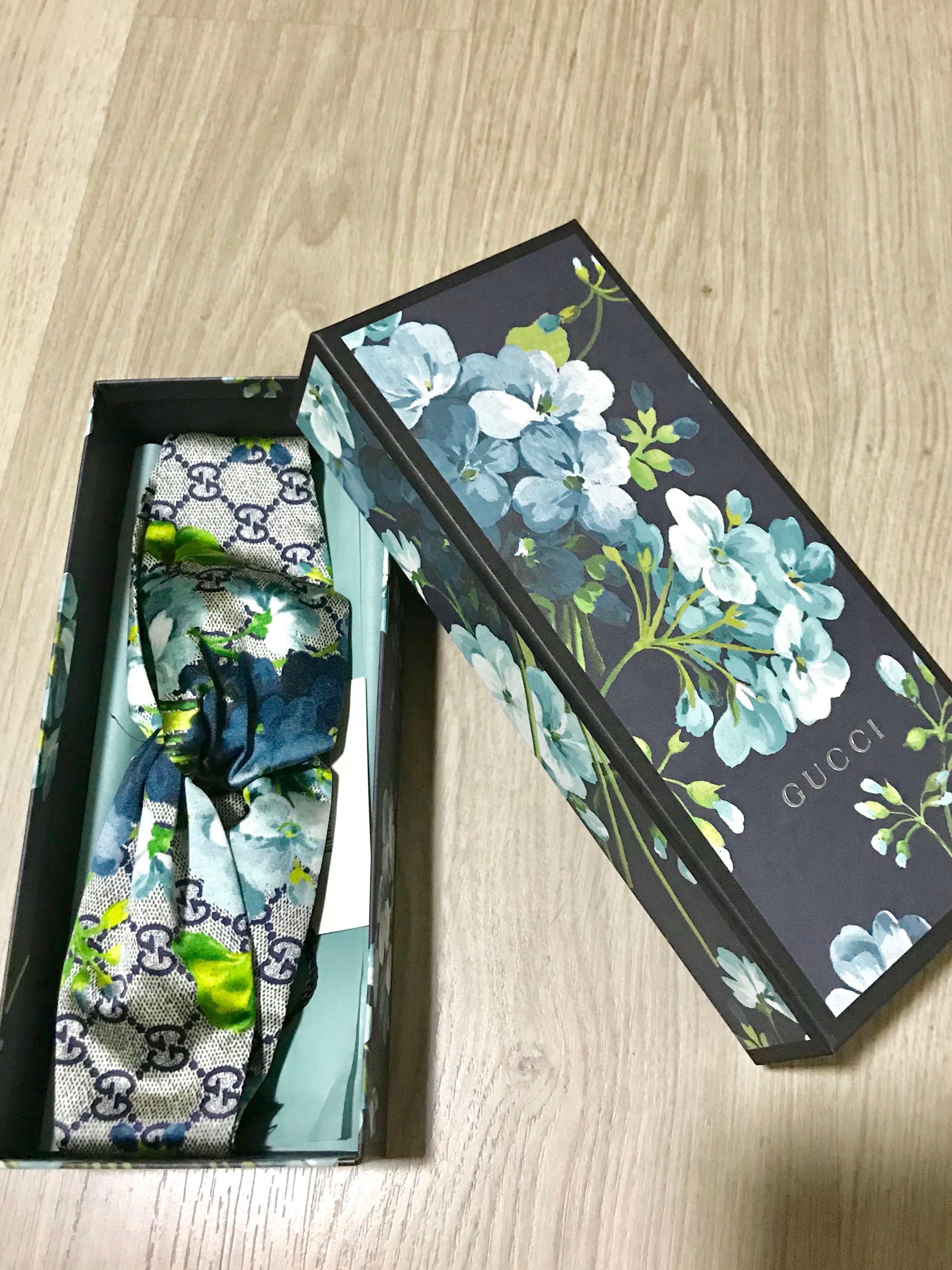 b5950465ffe Authentic Gucci Blooms print silk headband