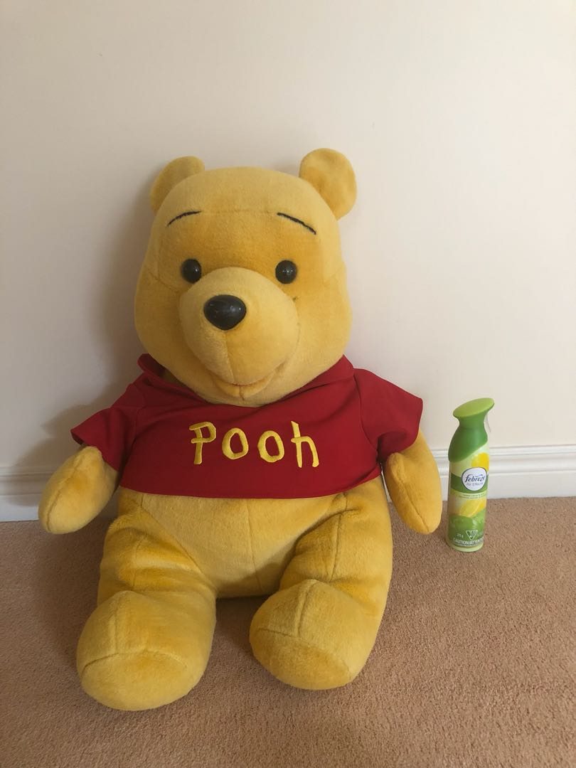 Large authentic Winnie the Pooh stuffed toy! 🐻