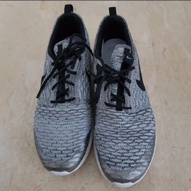 online store b250a d9772 Nike roshe run wolf grey 100% Authentic US9.5