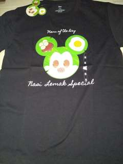 authethic mickey mouse T-shirt