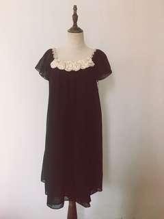 Stereo flowers 🌺 black dress