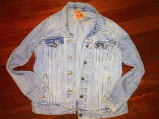 Original *VINTAGE* Levi's Denim Jacket!!!
