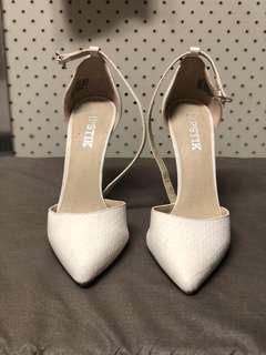 Lipstik white heels