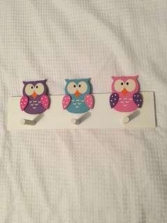 Owl hanger