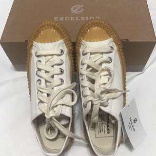 Excelsior 白色餅乾鞋