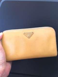 🚚 Prada 超甜價 黃色長夾 拉鍊包 錢包 正品