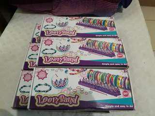Loombands 6 boxes + 2 freebies (300 bands and 500+ bands)