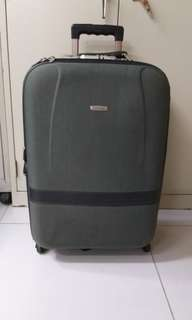 5 wheels luggage size H 26 inches w 16inches