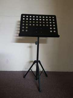 Sturdy music stand
