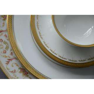 Vintage Teaset, Plates with gold Trim.