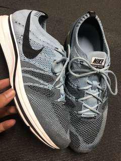 🚚 Nike flyknit Trainer