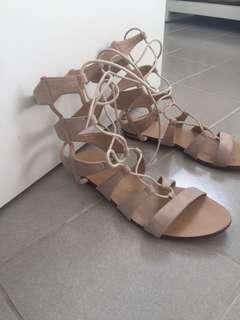 Novo gladiator sandals