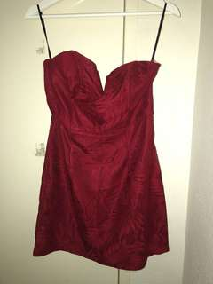 PILGRIM STRAPLESS RED DRESS