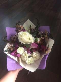 BUKET BUNGA PLASTIK , KAIN ANGGREK PURPLE ORCHID ROSE MAWAR FLOWER BOUQUET