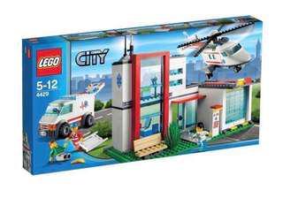 4429 Lego City Hospital