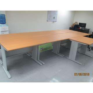 FREESTANDING TABLE_Office Partition Furnitutre
