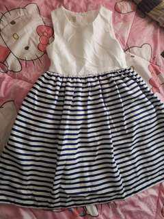 Dress 7-9yrs old