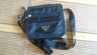 Outdoor Sling Bag (Unisex)