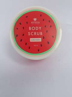 Emina body scrub watermelon