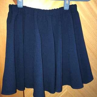 深藍色半截短裙