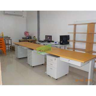 Freestanding Table (Office Partition Furniture