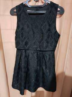 Dress hitam motif