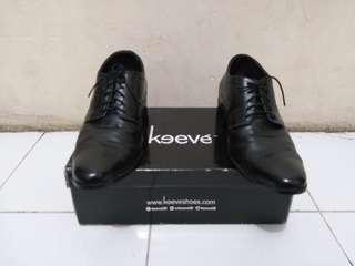 Sepatu Pantofel Keeve size 39 fit to 40-41